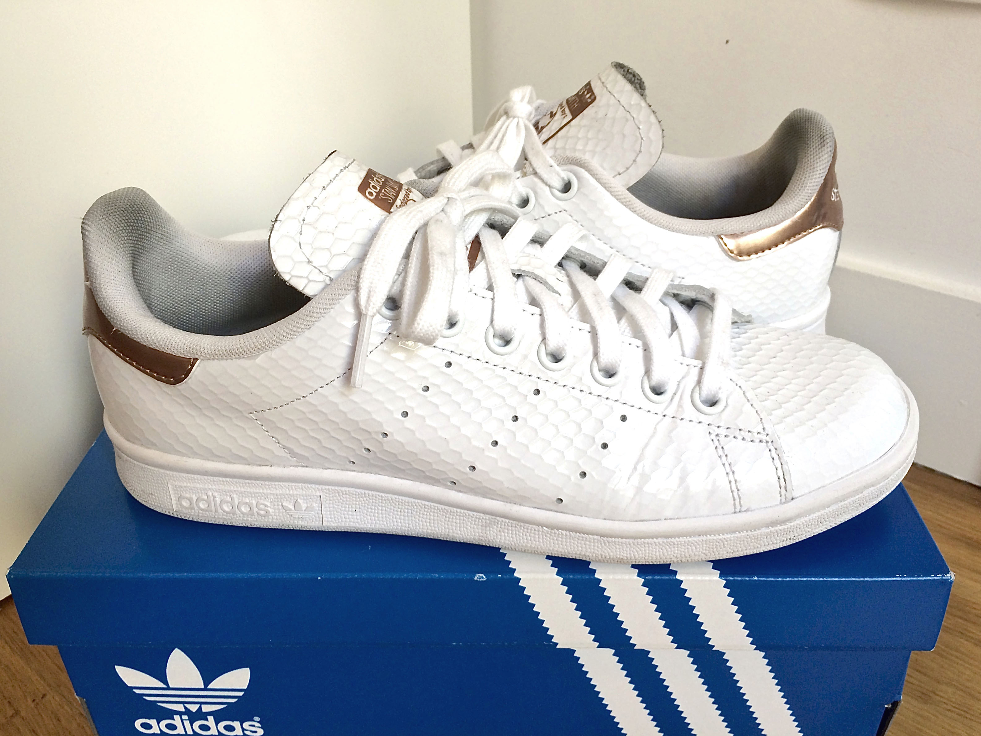 100% Authentique adidas stan smith gloss rose gold Outlet en