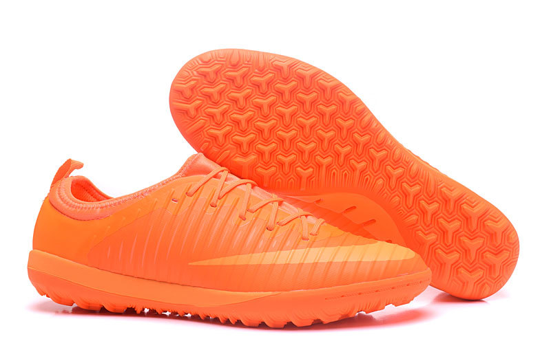 Pas Nike Chaussure En Futsal Ligne Cher Outlet 100Authentique OkuPTXiZ